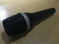 AKG D5 Dynamic Lead Vocal Microphone