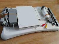 Nintendo Wii + Wii Fit Board
