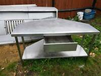 stainless still table triangle with shelfe