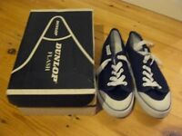 Dunlop pumps size 6