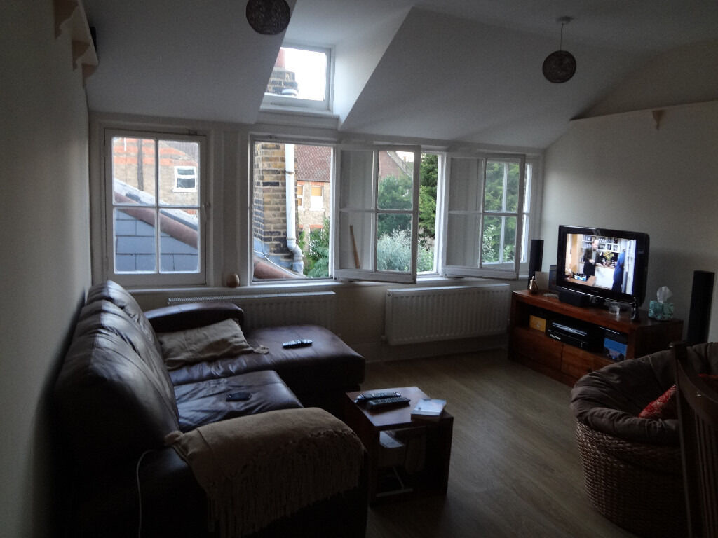 W-HAMPSTEAD ZONE 2 HUGE 1 BEDROOM FLAT AVAILABLE NOW PRICE NEGOTIABLE FOR A QUICK LET * PRIVATE LET*