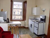 1-bedroom, 3rd floor furnished flat – 9 Wardlaw Place (Gorgie)