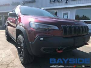 2019 Jeep New Cherokee Trailhawk | 4x4 | MOONROOF | BLUETOOTH