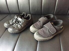 Boys Clarks school shoes & Pe pumps. Size 9.5G