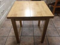 Quality solid wood extendable dining table, very good condition, John Lewis