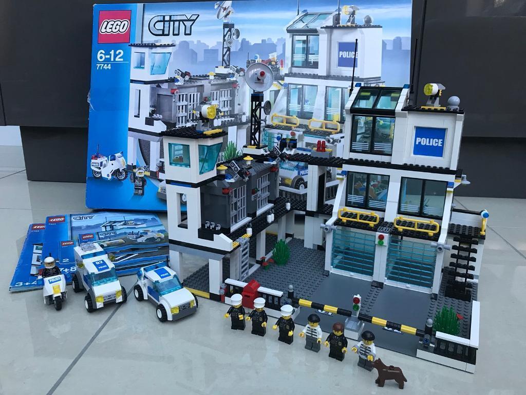 Lego City Police Headquarters 7744 In Billericay Essex Gumtree
