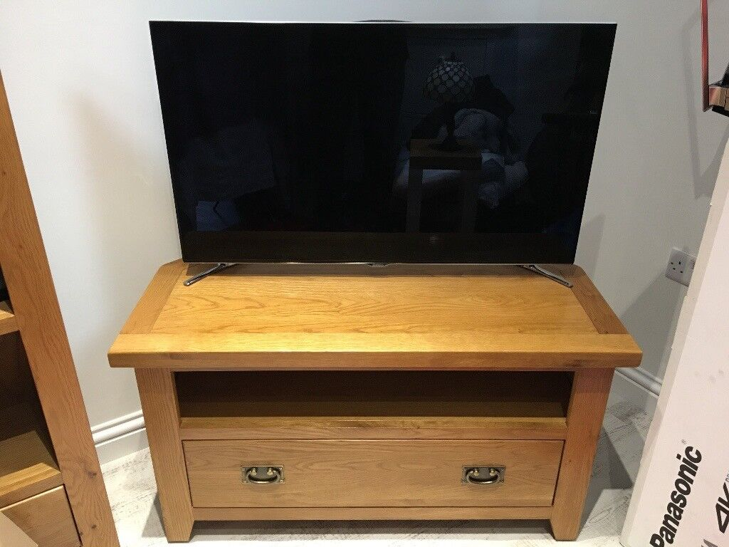Solid Oak Tv Corner Unit In Ashby De La Zouch Leicestershire  # Table Pour La Television