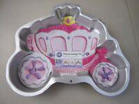 Cake tin - princess carriage