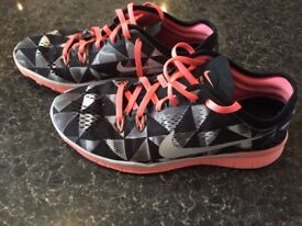 NIKE AS NEW TR FIT 5 FREE 5.0 ONLY £15!!!! SIZE 5