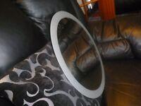 circular mirror with silver glitter edge