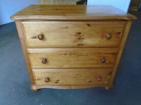 Pine chest of 3 drawers