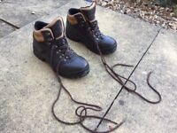 Peter Storm Walking boots ladies Size 7. Only used once