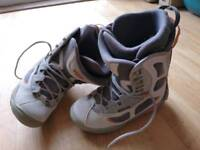 Askew mens snowboard boots, size 8