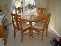 Pine Dinning Room Table and 4 chairs for Sale