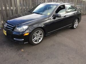 2014 Mercedes-Benz C-Class 300, Automatic, Leather, Sunroof, AWD