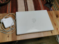 Apple MacBook 13'' 2008 white - 2.4 GHz Intel Core 2 Duo - Mac OS X Lion 10.7.5 (11G63)