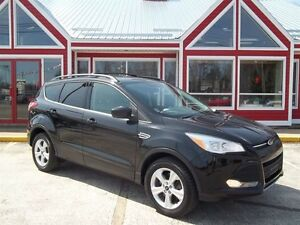 2013 Ford Escape SE!!AWD!! PANORAMIC SUNROOF!!
