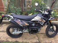 Sinnis Apache 125cc Motorbike
