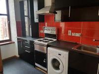 3 BEDROOM TOP FLOOR FLAT TO LET BLACKIE STREET, WESTEND £995pcm