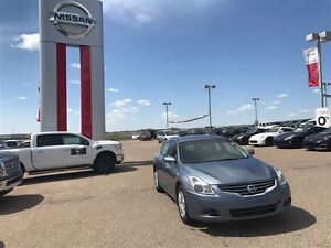 2012 Nissan Altima S Push button start great mileage
