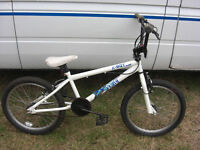 BMX BIKE TIDY CONDITION FULLY SERVICED AND READY TO GO SMOOTH BIKE