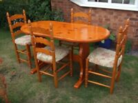 Lovely Solid Pine Dining Table and Chairs