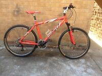 MENS 24 SPEED HARDTAIL MOUNTAIN BIKE IN GOOD CONDITION