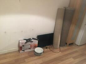 2 Carpets, 32 Led TV and Free 2kW Convector Heater and Plates