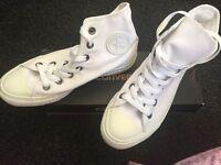 White converse, size 4.