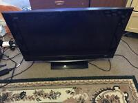 32 inch Panasonic tv good condition HDMI built in freeview comes with the remote