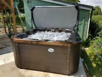 HOT TUB H2O 3000 SERIES, Save £700 LUXURY HOT TUB,BALBOA,LOW RUNNING COSTS,LED MOOD LIGHTING