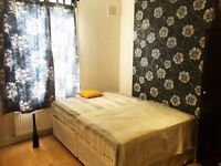 Central London, Zone 2 - Queens Park - Stunning Double Room//