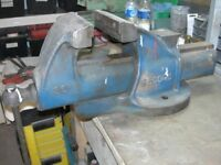 LARGE RECORD No36 VISE FOR SALE