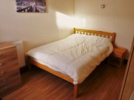 SPACIOUS ROOM INCLUSIVE OF ALL BILLS AVAILABLE