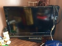 "Sony Bravia 32 inch"" HD TV with Remote (Built in Freeview) + HDMI Cable"