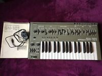 Roland SH101 Vintage Analogue Mono Synthesizer With Original Manual and Power Supply.