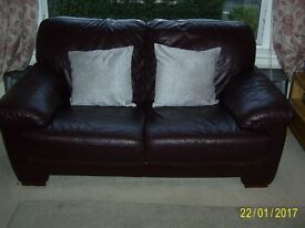 Fantastic 2 Seater Leather Settee