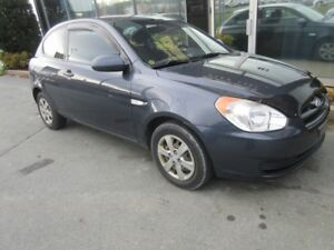2009 Hyundai Accent AUTO HATCH WITH ONLY 95K