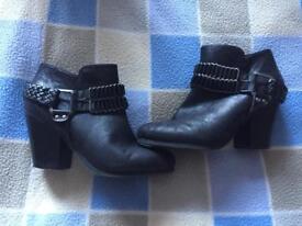 JustFab shoes size 7