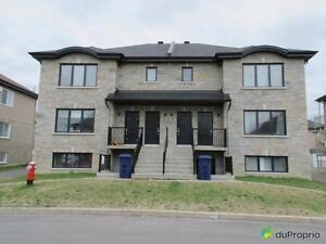 1 250 000$ - Triplex à vendre à Chomedey West Island Greater Montréal image 1