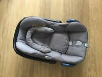 Maxi-cosi group 0 car seat with bugaboo bee adaptor carbo fix