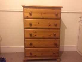 Chest of 5 drawers in good condition