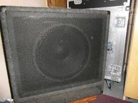 15 inch 300 Watts RMS Bass cab with top hat