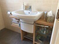 Bathroom vanity unit
