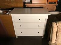 Very nice chest of drawers can deliver