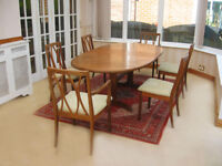 IN EXCELLENT CONDITION – SOLID WOOD -EXTENDING DINING TABLE & 6 CHAIRS (CAN DELIVER)