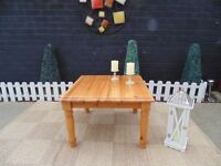 SOLID PINE FARMHOUSE COFFEE/SIDE TABLE VERY SOLID TABLE AND IN EXCELLENT CONDITION 70/70/45 cm £35
