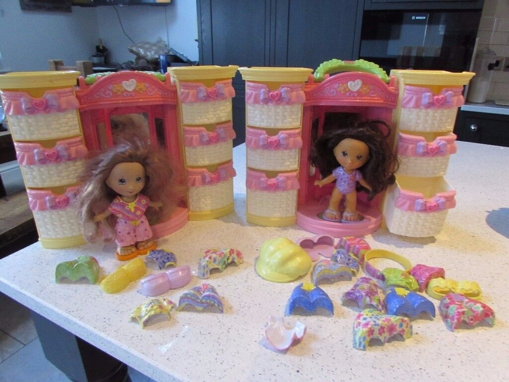 Fisher Price snap and style dolls and wardrobes x 2
