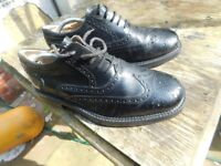 MENS BLACK BROGUES IN VERY GOOD CONDITION SIZE 10