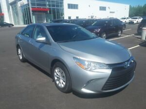 2016 Toyota Camry Hybrid LE ONLY $213 BIWEEKLY WITH $0 DOWN!